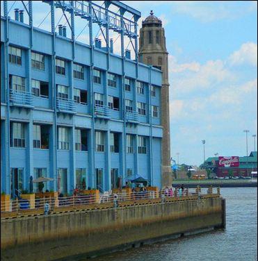 Pier 3 Condominiums