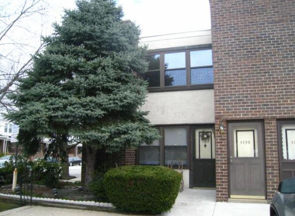 611-15 Roxborough Avenue